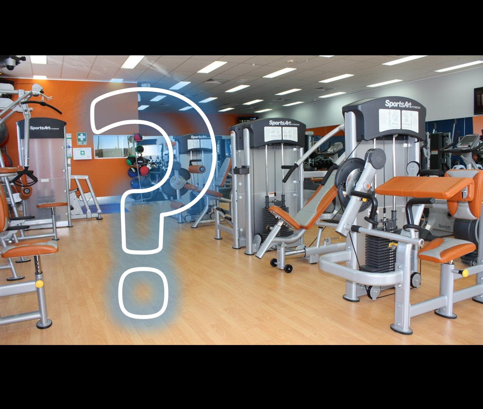 maquinas de ejercicio y un signo de pregunta